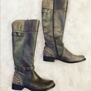 Gianni Bini Grey Boots
